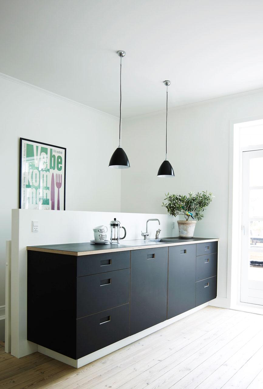 Køkken i birk og linoleum   køkkenskaberne