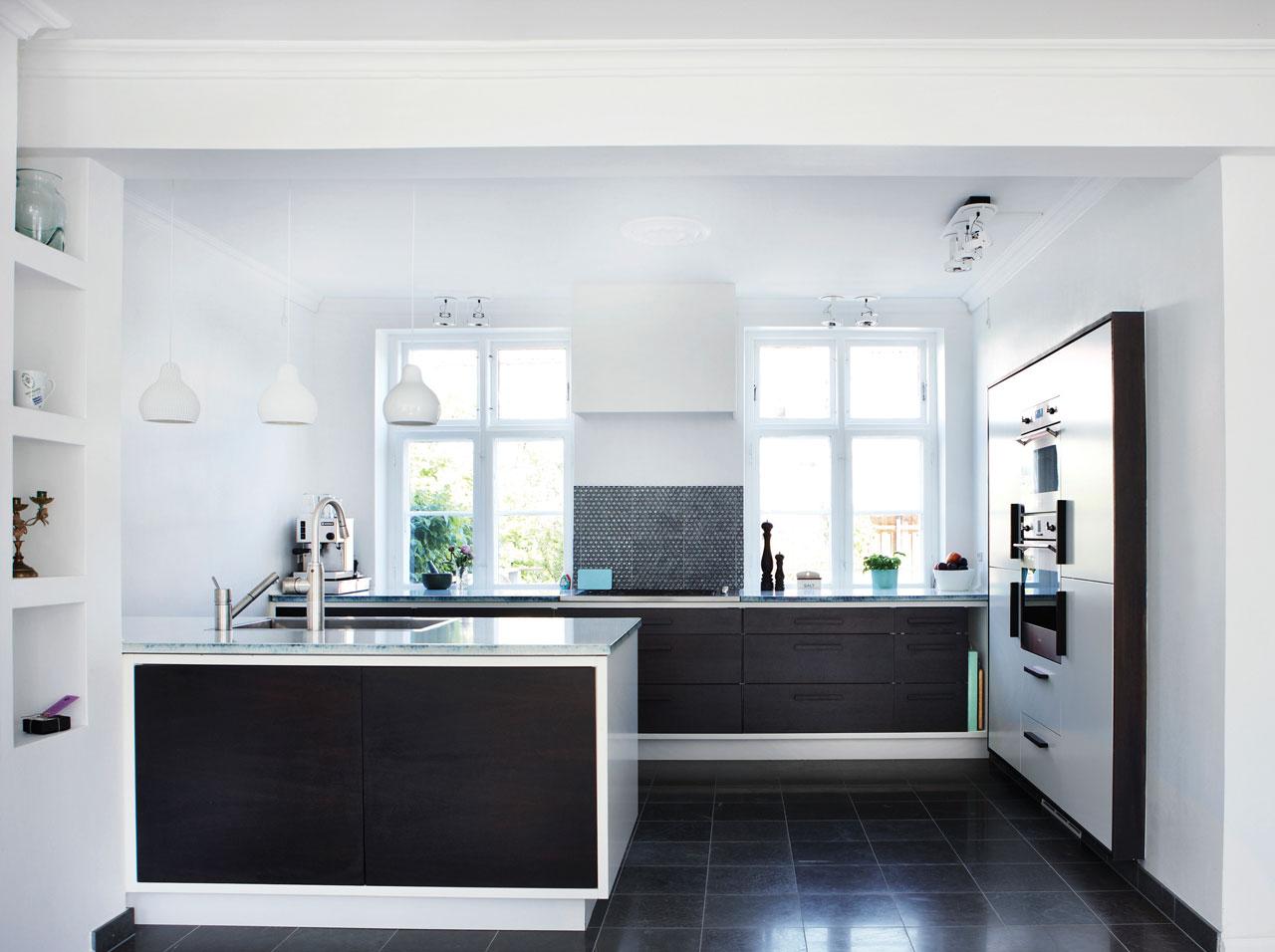 Tvillingehus i fire etager indretning   køkkenskaberne